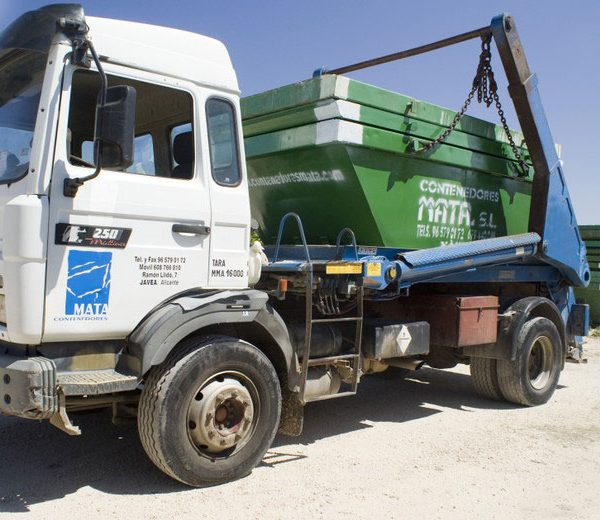 Camión contenedor de 5m3