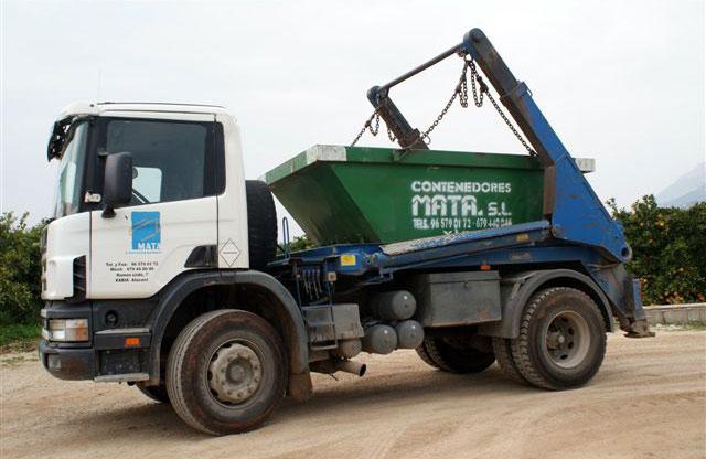 Camión contenedor de 5m³