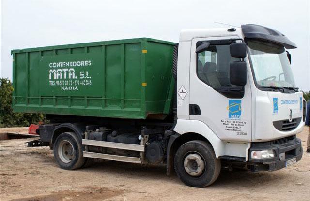 Camión contenedor de 12m³